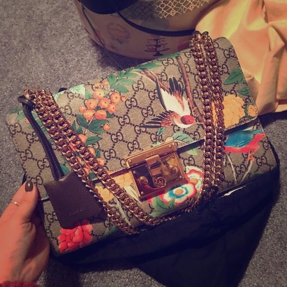 94a1169d424 Gucci Handbags - Gucci large padlock GG supreme Tian should bag